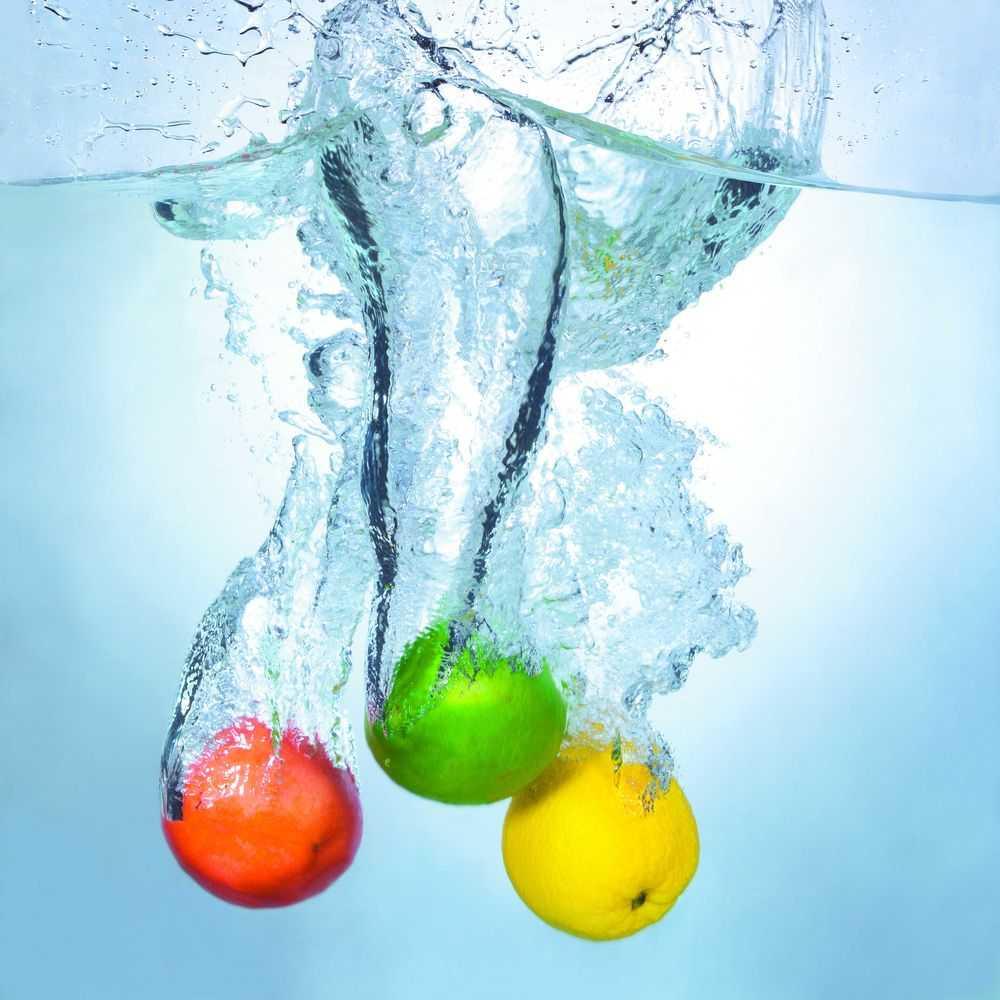 картинки фрукты в воде вертикальные